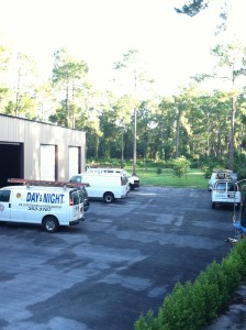 Day-and_Night-Airconditioing-Trucks